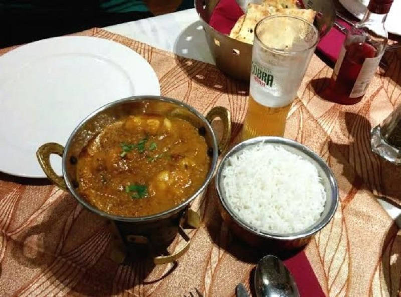 Cerveza Cobra en el Bollywood Indian Restaurant, compañero ideal del picante