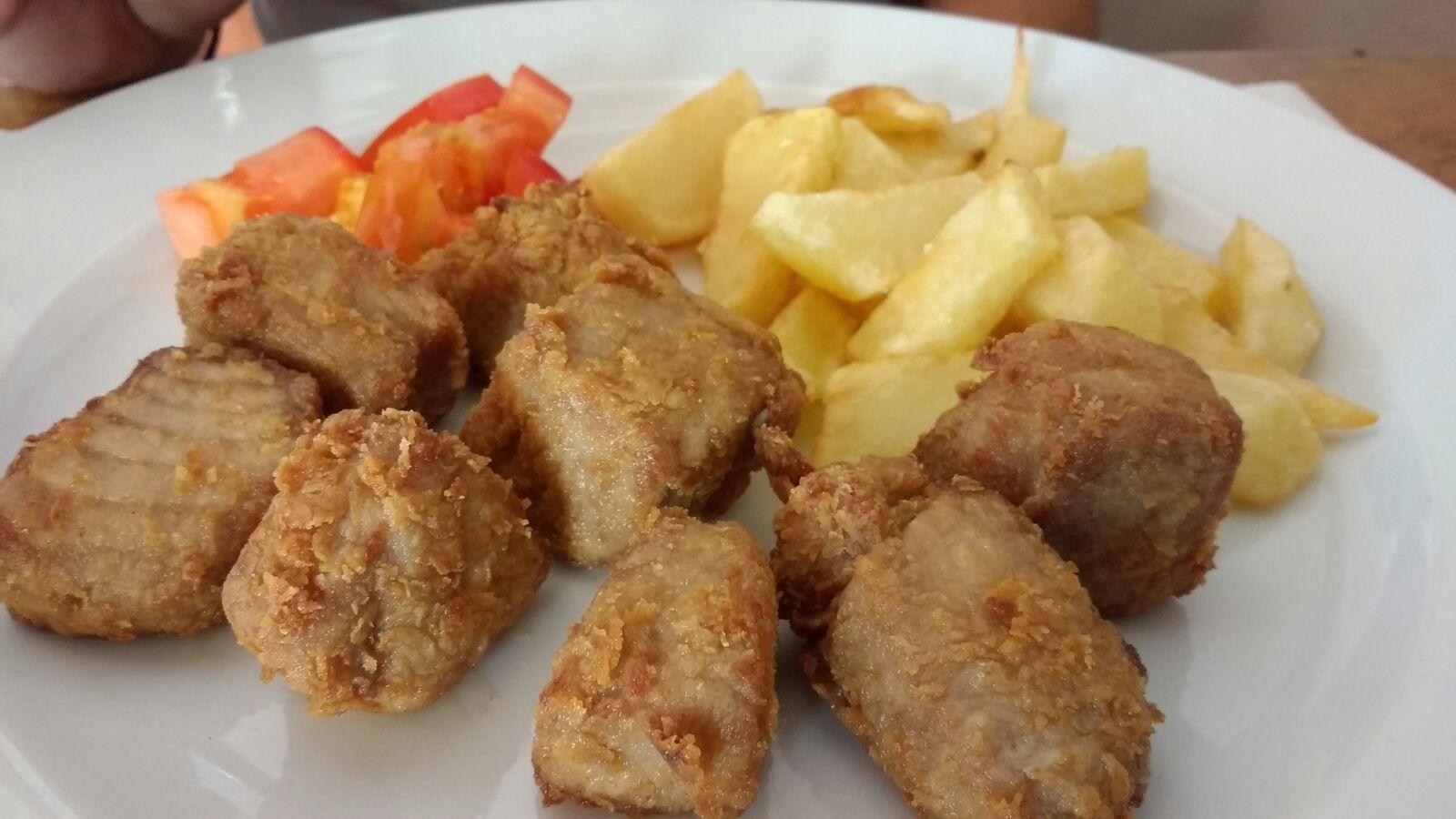 Tacos de atún fritos que compiten en atractivo con las opciones para carnívoros.