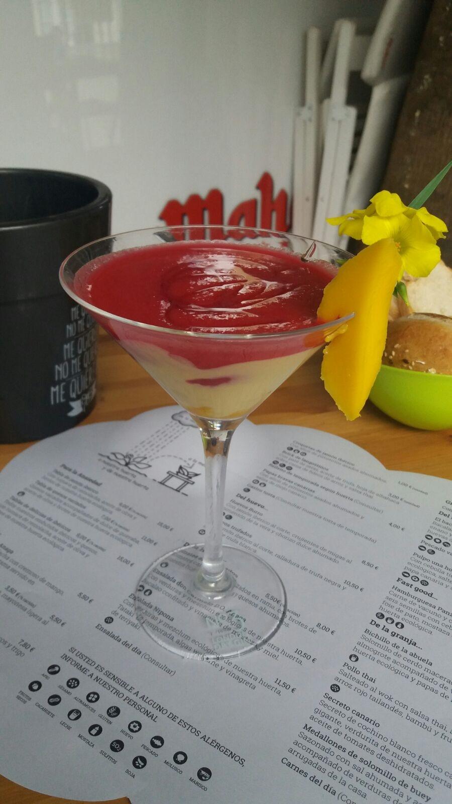 Que no te quiten la ilusión de tomarte un cocktail sano, sano de remolacha y mango!